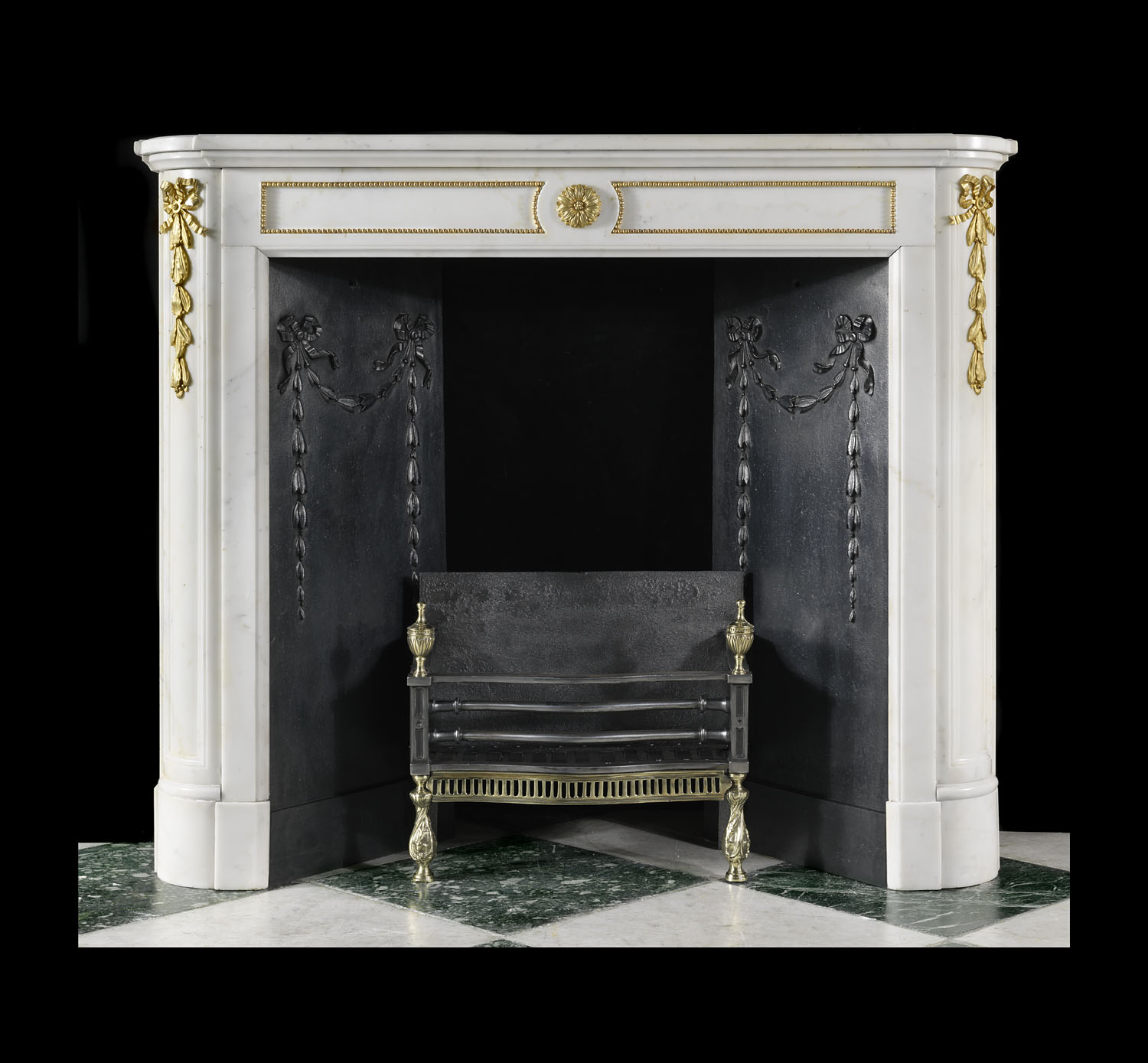 Antique compact Louis XVI French Marble Chimneypiece