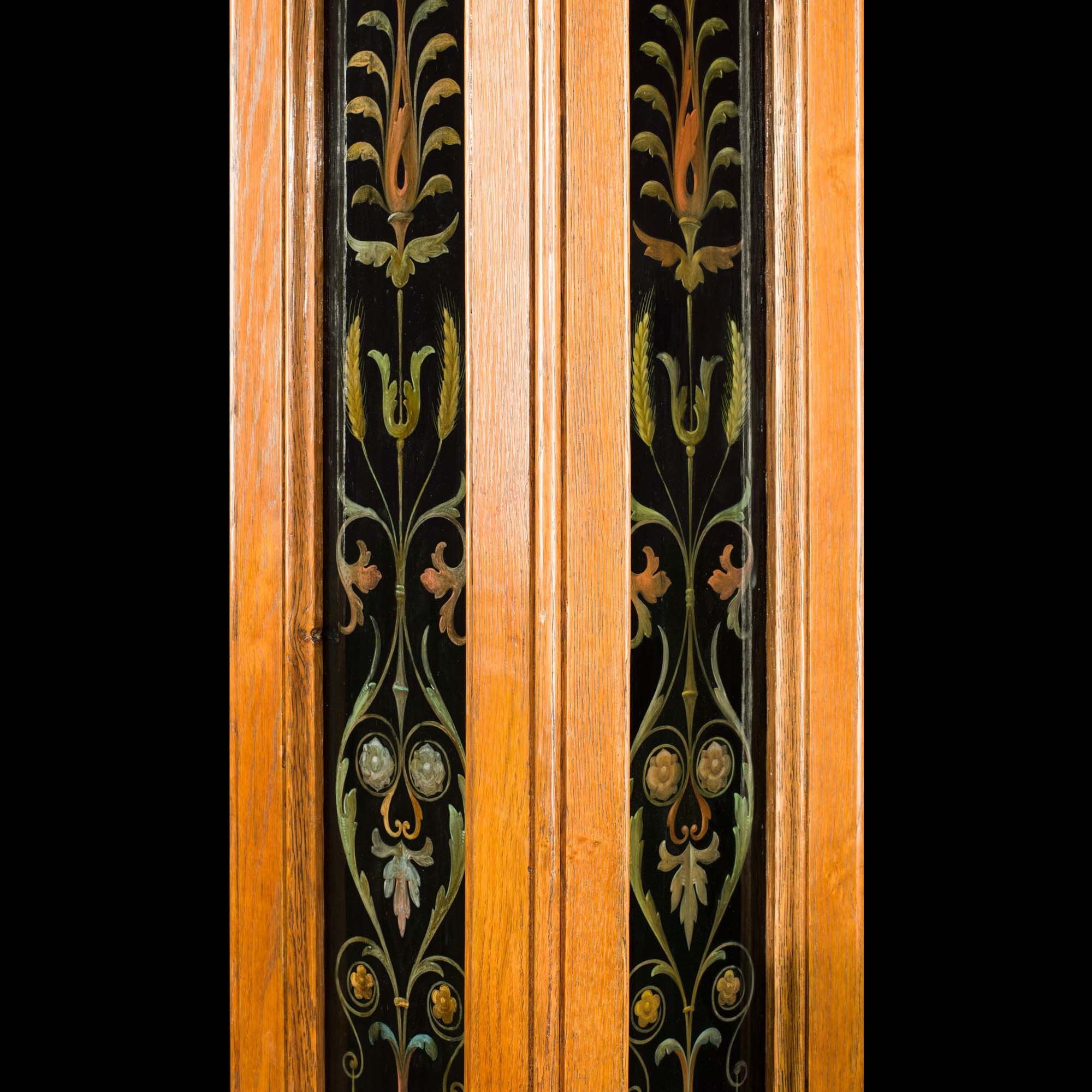 Antique Painted Slate Oak Square Pillars with Arabesque Decoration