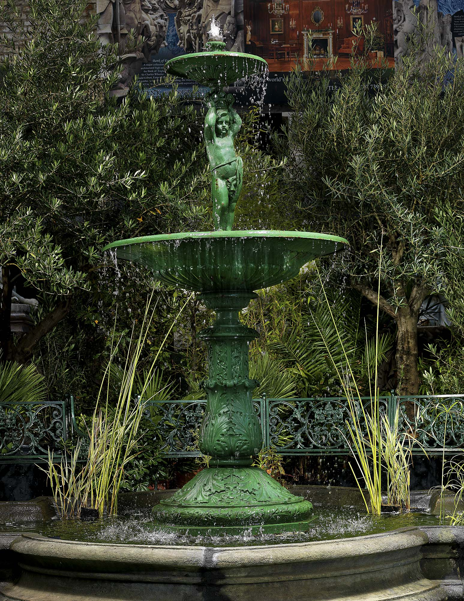 Antique Two Tier Garden Fountain in Cast Iron