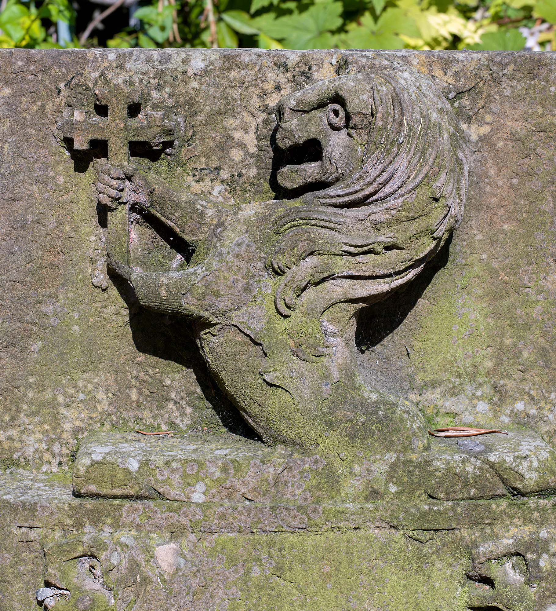 A Limestone heraldic lion antique sculpture