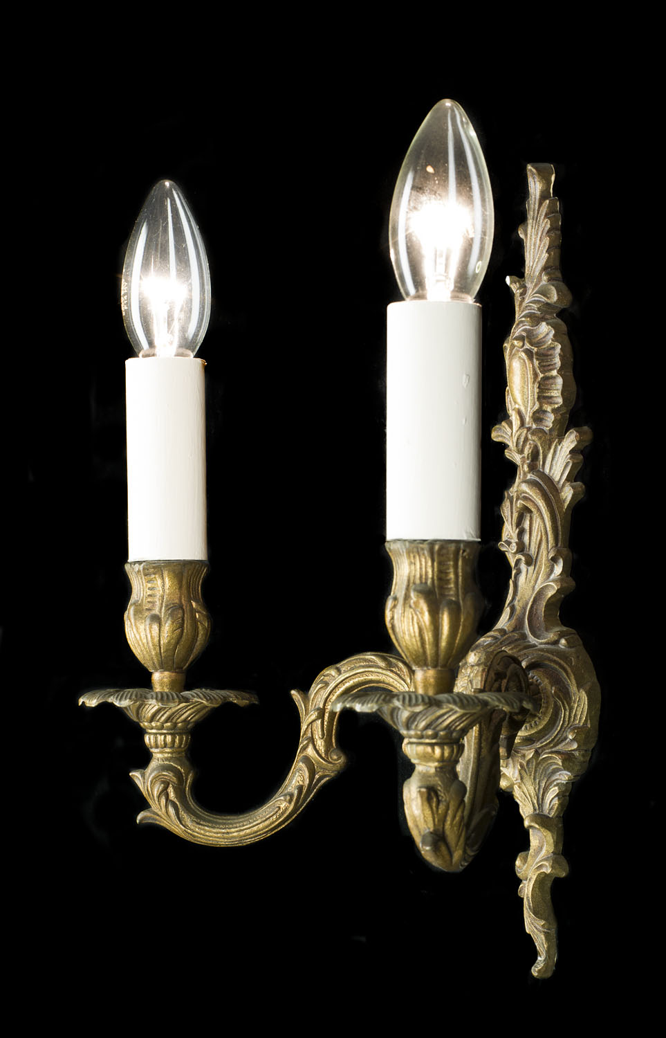 French pair of Rococo style 20th century brass wall lights
