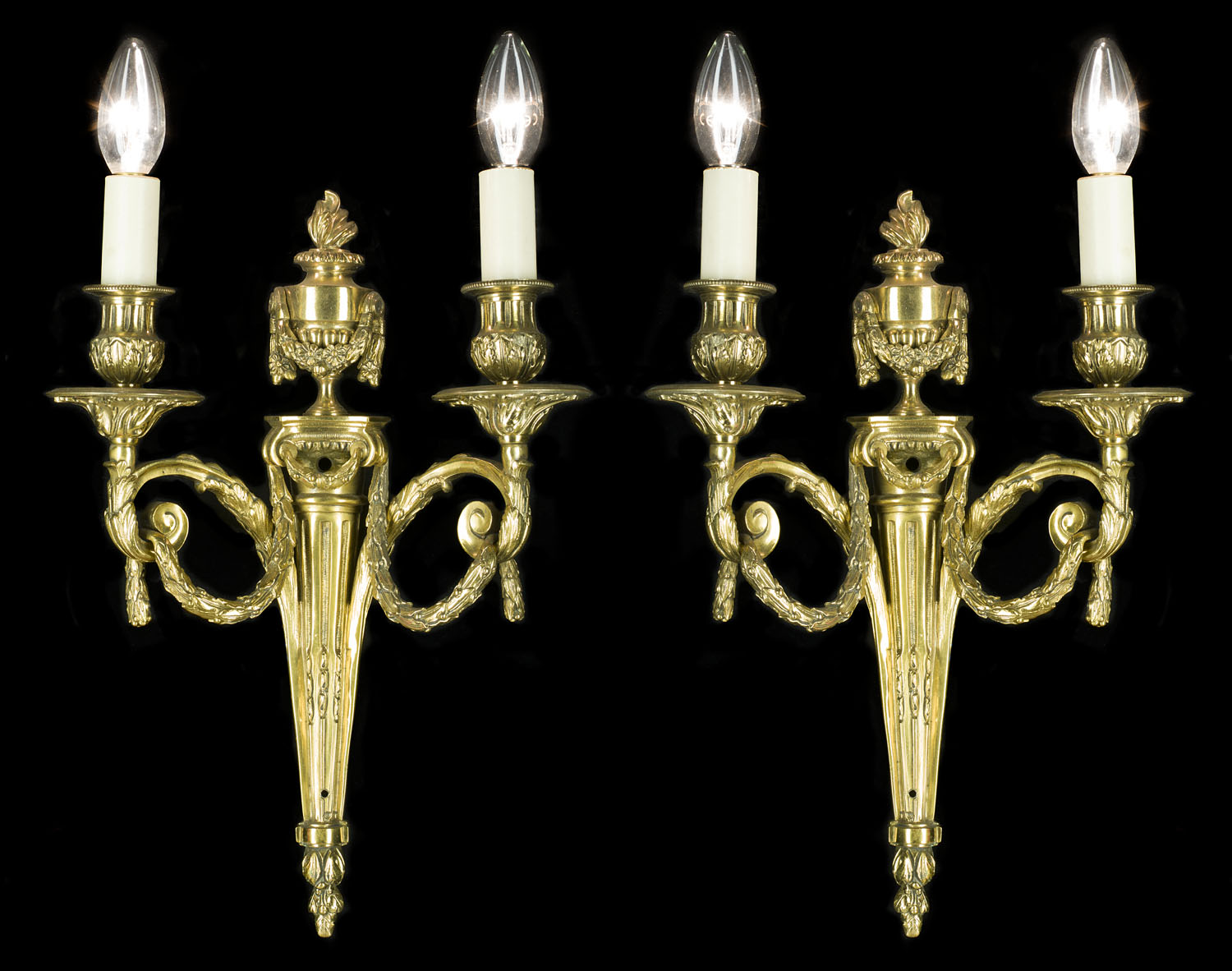 Neoclassical style 20th century pair of brass wall lights