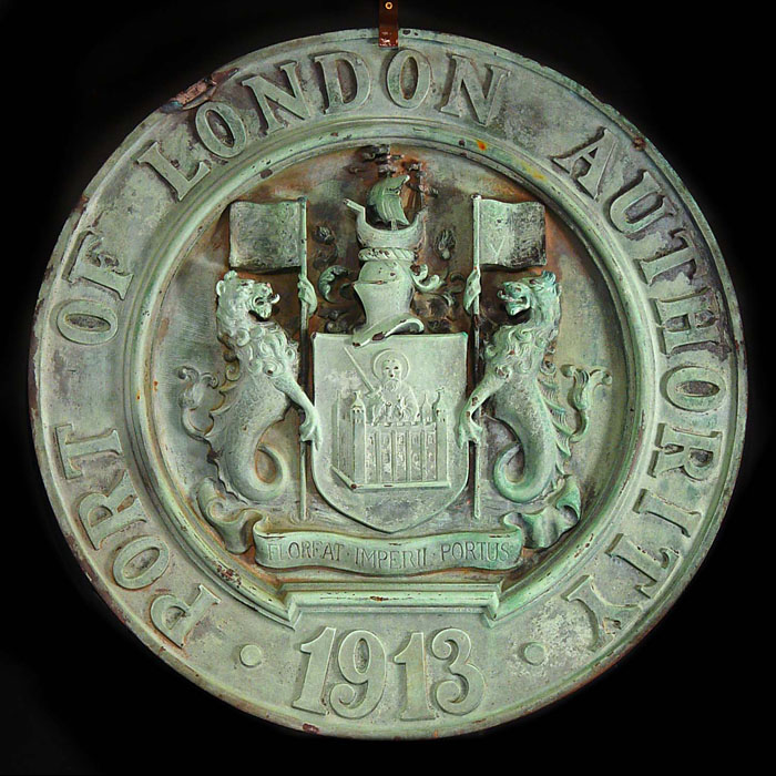 11525: A LARGE SOLID BRONZE CIRCULAR PLAQUE from the PORT OF LONDON AUTHORITY, dated 1913. It is weather patinated with verdigris but could be polished.  The PLA, a trust, was formed in 1908 at a time when L