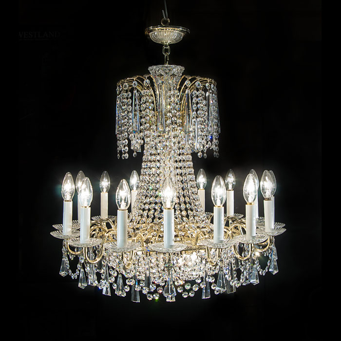 A 20th century classical style 16 light chandelier