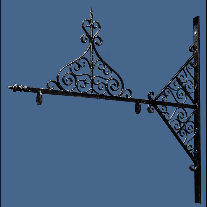 Antique Scrolled Wrought Iron Wall Bracket for Hanging Sign