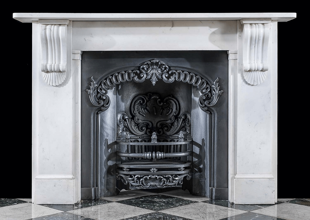 Choosing the right accessories for your antique fireplace - Our Guide