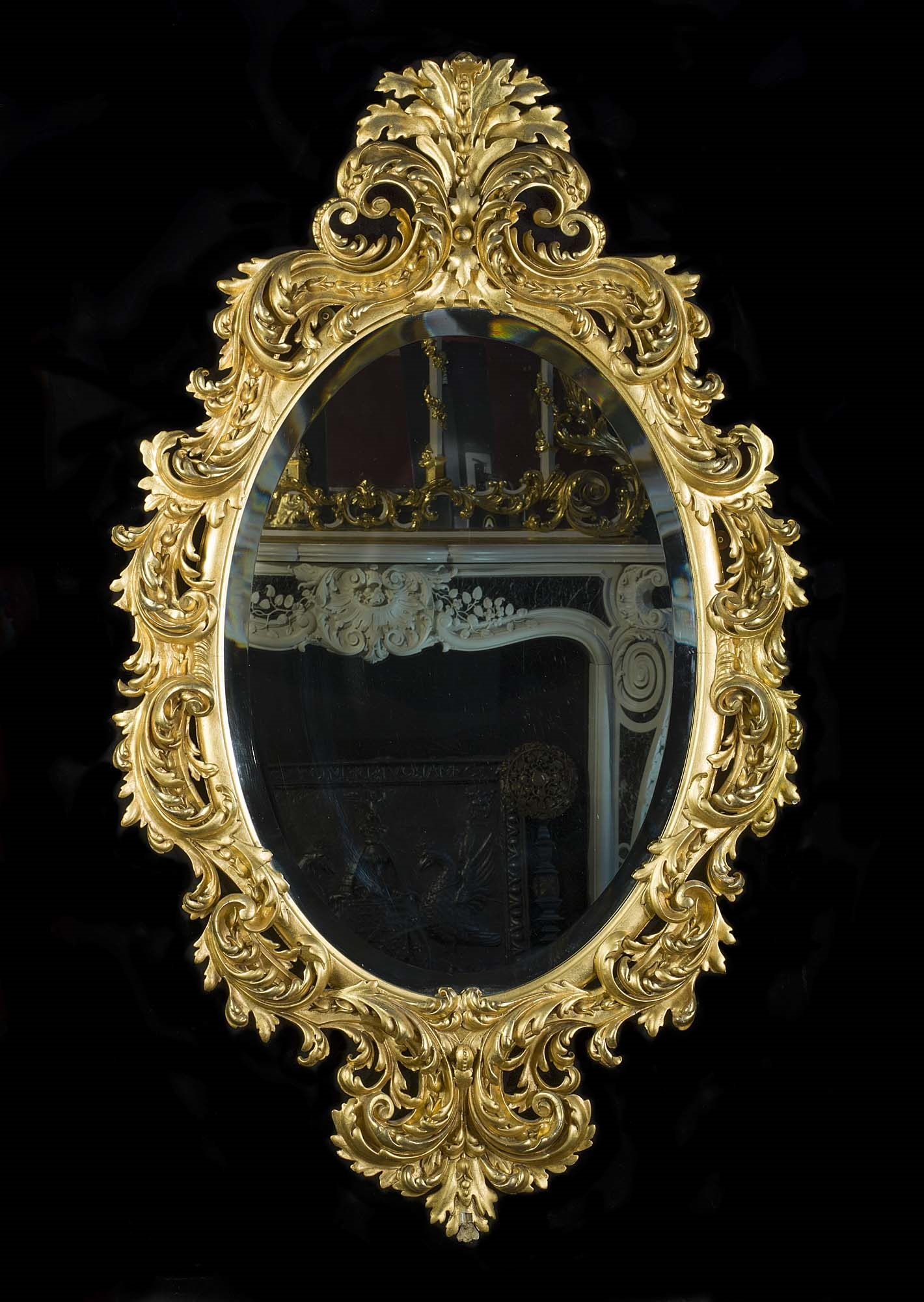 The history of the mirror and different styles of antique mirrors